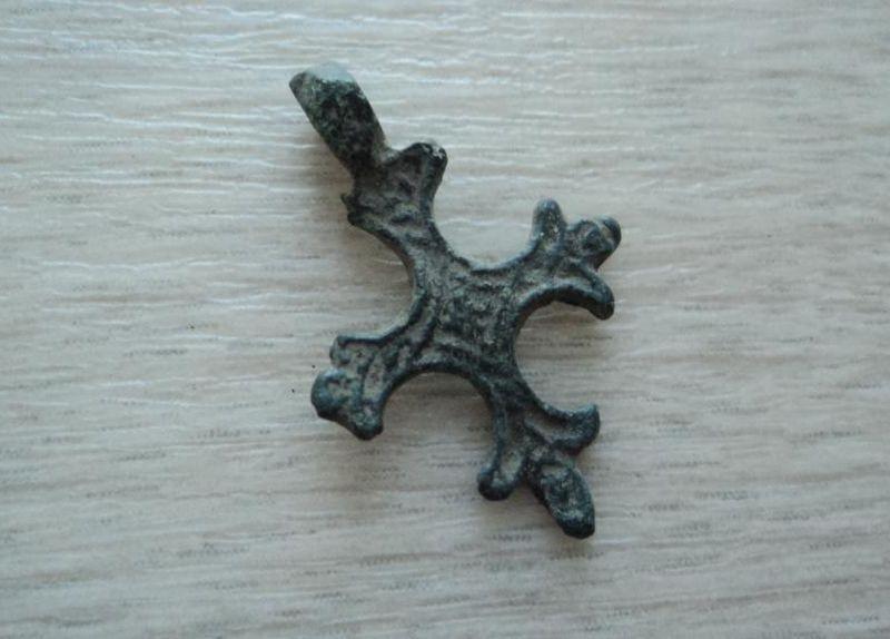 Определение находок: нательные кресты древней руси - мдрегио.
