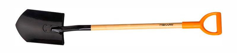 Лопаты Fiskars с деревянным черенком